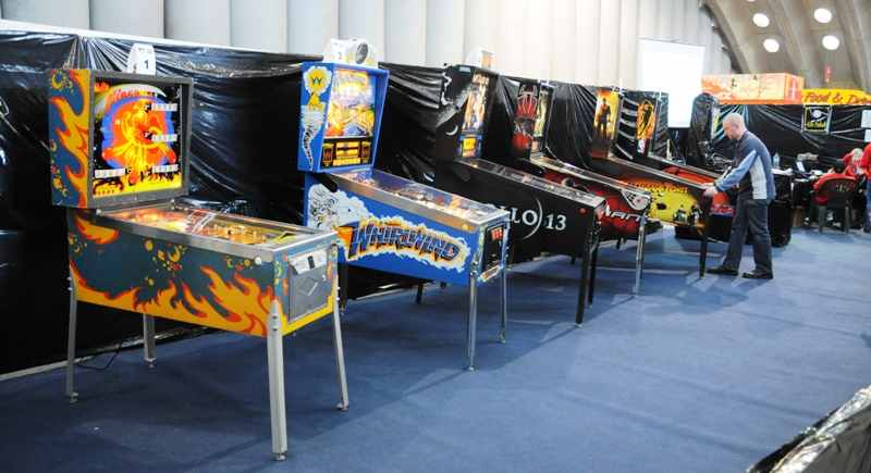 Bally Fireball, whirlwind, Apollo 13, Spiderman, Indiana Jones and NBA pinball machines