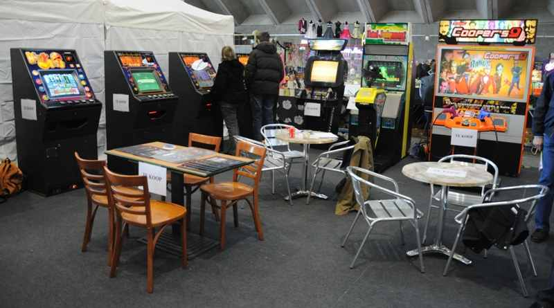Coopers arcade and dice machines