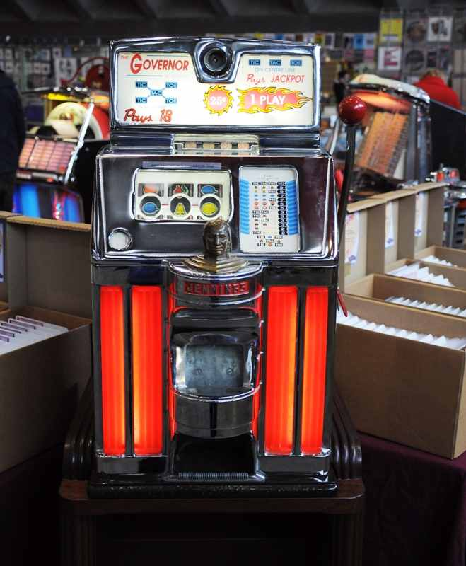 vintage Jennings Governor slotmachine