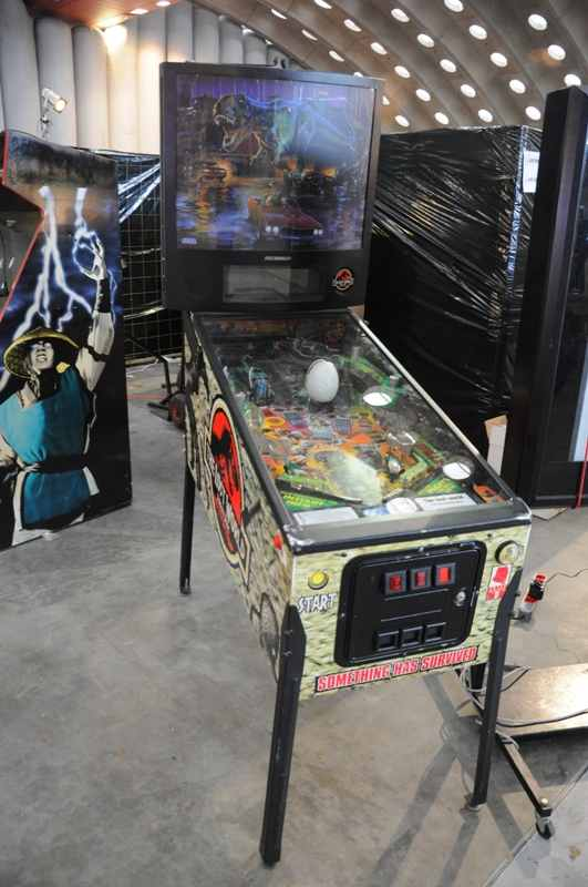 Lost World pinball machine