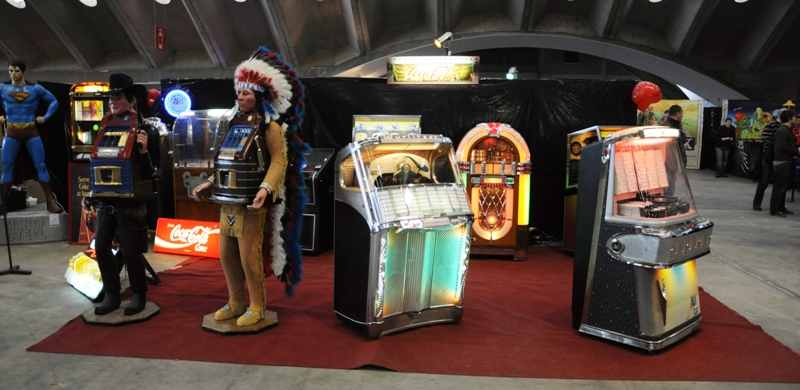 Wurlitzer and Ami jukebox, indian and cowboy slotmachines