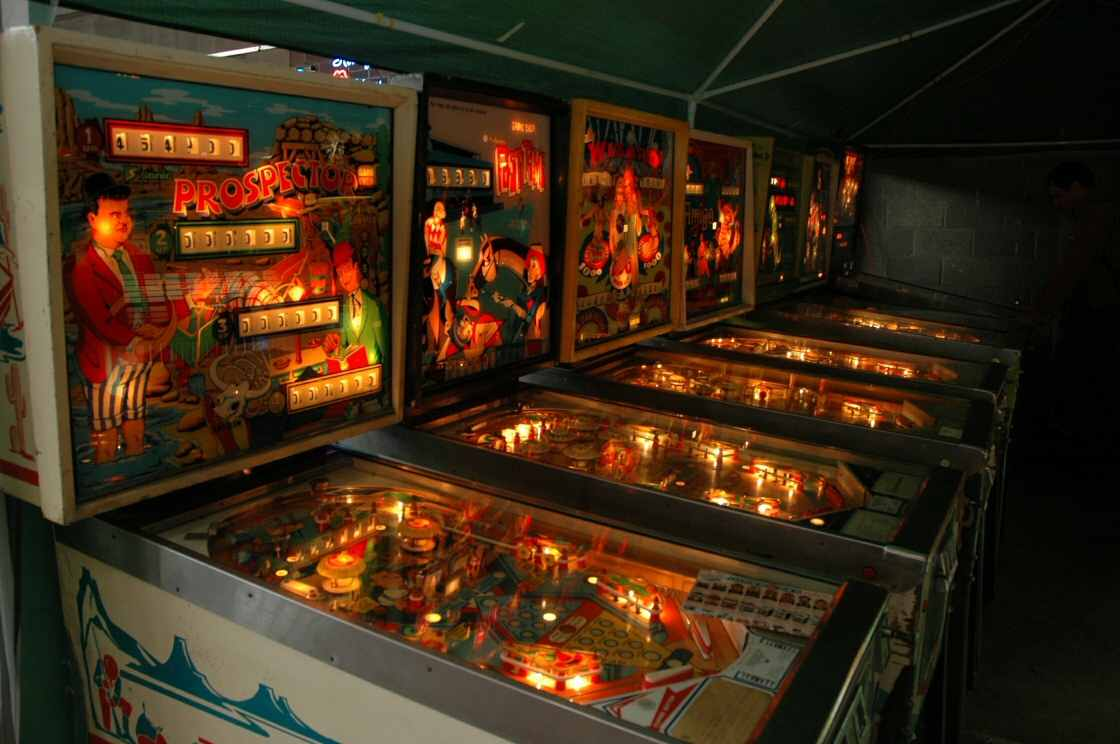 electro-mechanical Prospector pinball machines