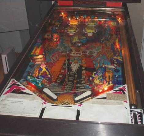 zaccaria Earth Wind Fire playfield