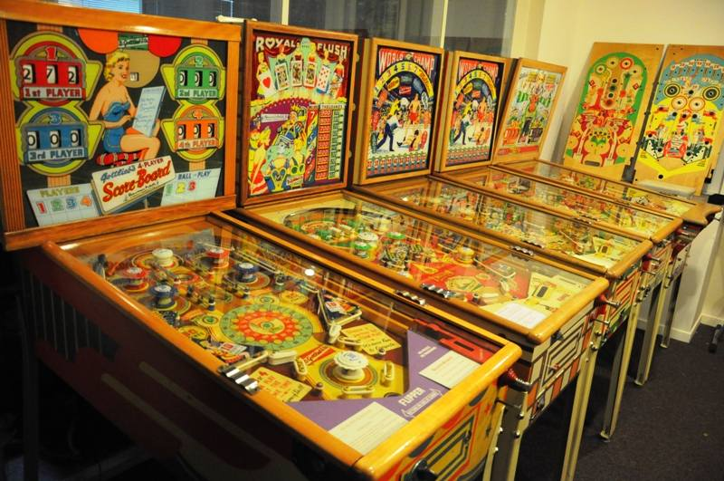 Gottlieb woodrail pinball Royal Flush, World Champ, Score-board