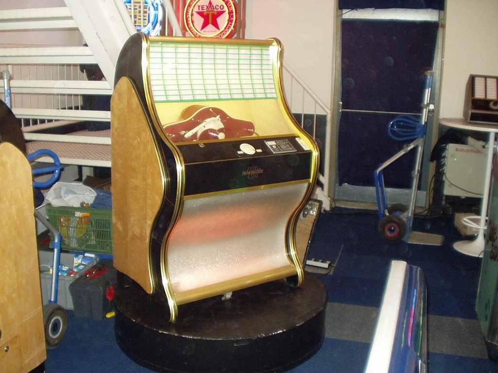 gold Tonomat Telematic 200 jukebox