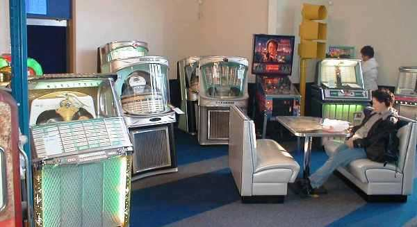 Tonomat jukeboxes