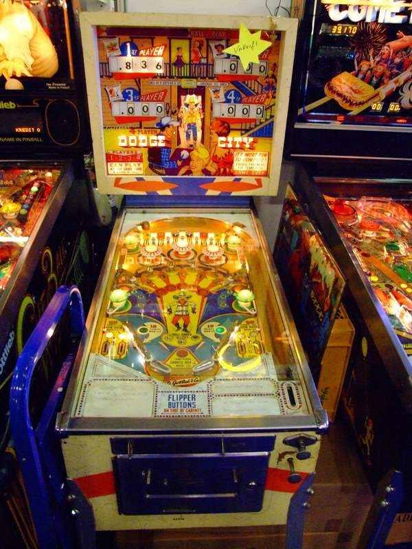 Dodge City pinball machine