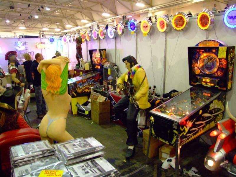 Hurricane pinball machine, woman undressing