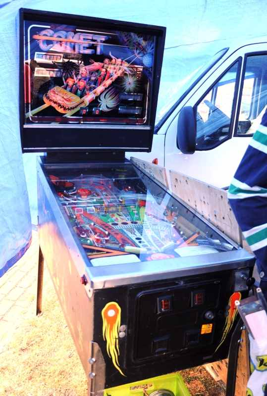 Williams Comet pinball machine