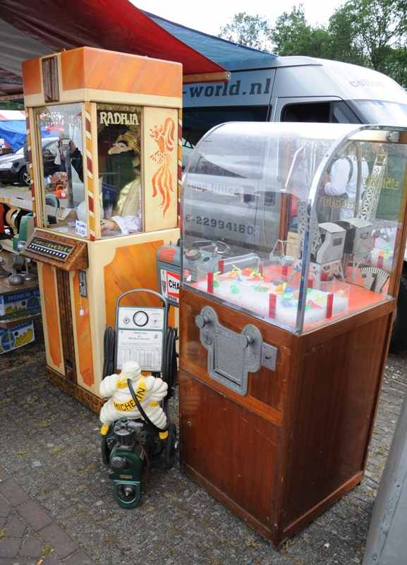 Michelin Bibendum pump, Radhja fortune teller, crane machine