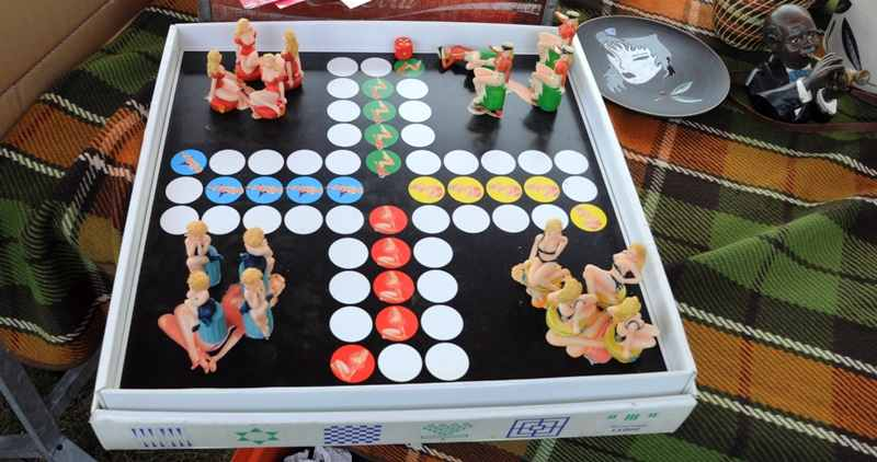pin-up boardgame