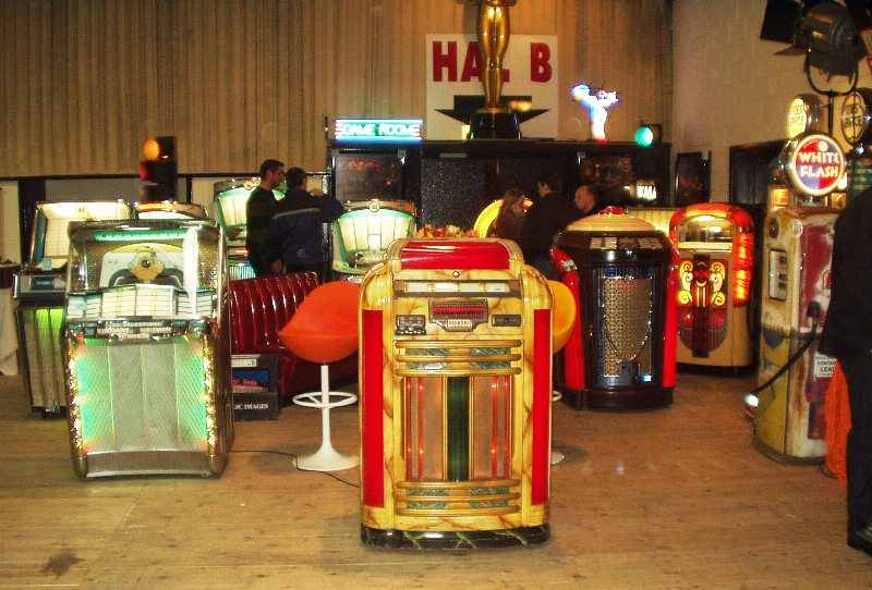 Seeburg Trash Can jukebox
